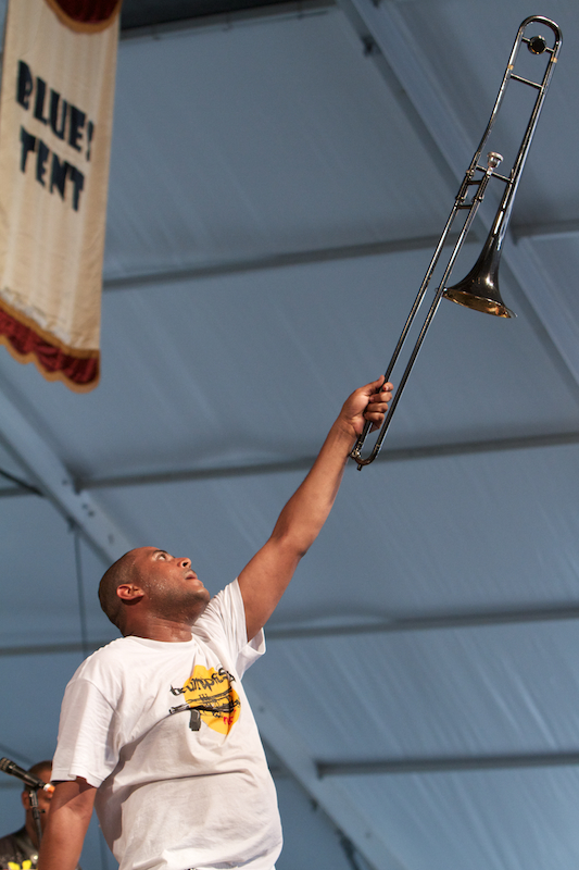 Glen David Andrews, New Orleans Jazz and Heritage Festival, Blues Tent, May 1, 2011