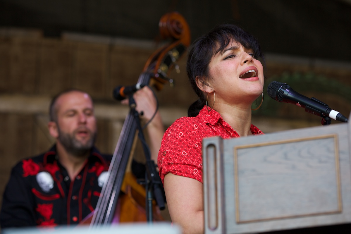 Norah Jones gets countrified with the Little Willies