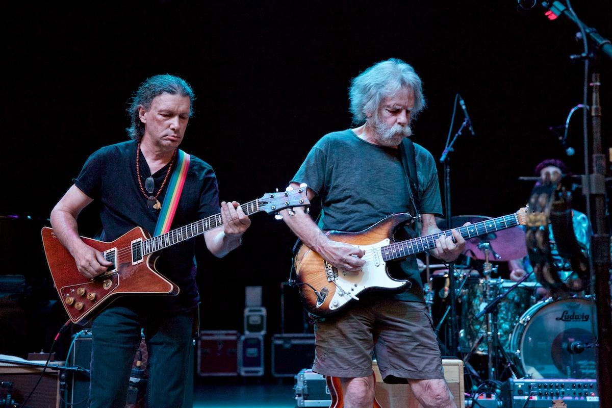 Bob Weir and Steve Kimock sync up