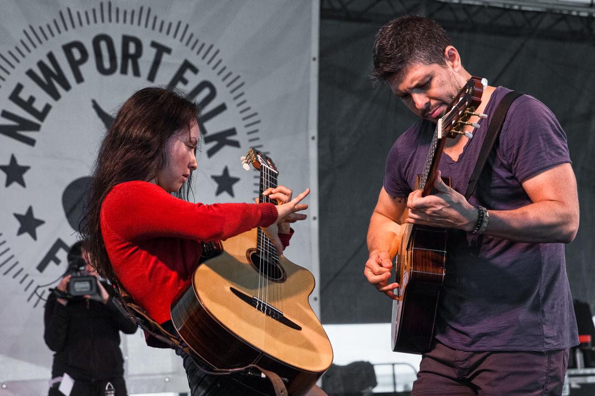 Rodrigo y Gabriela - 12 nylon strings and a taste for metal