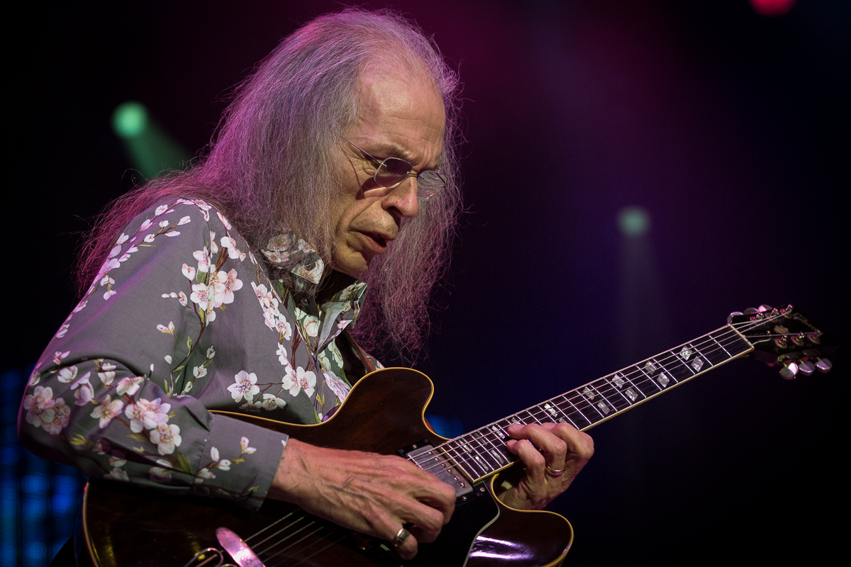 Steve Howe with Yes at the Greek