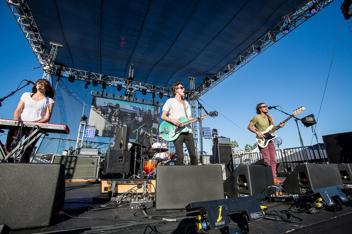 New Albany Indianans, Houndmouth