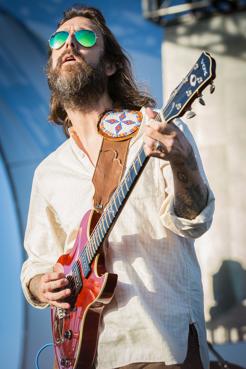 Chris Robinson and his Brotherhood jammed up the place