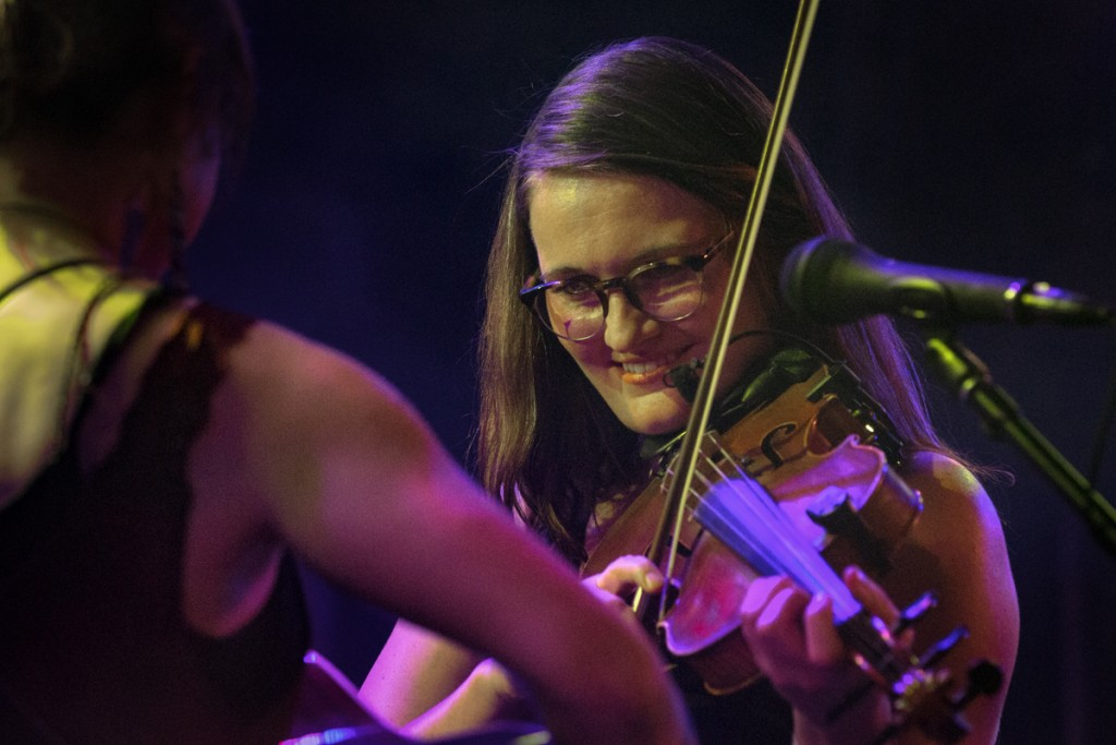 Kimber Ludiker digs in during Della Mae's set